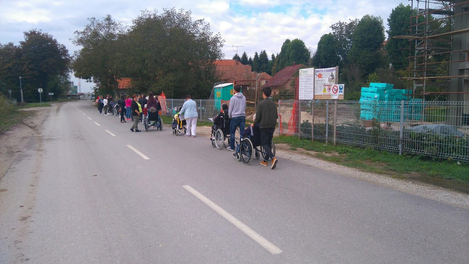Medgeneracijska mobilnost